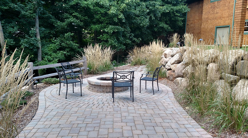 5 Hardscaping Tips for Smaller Backyards