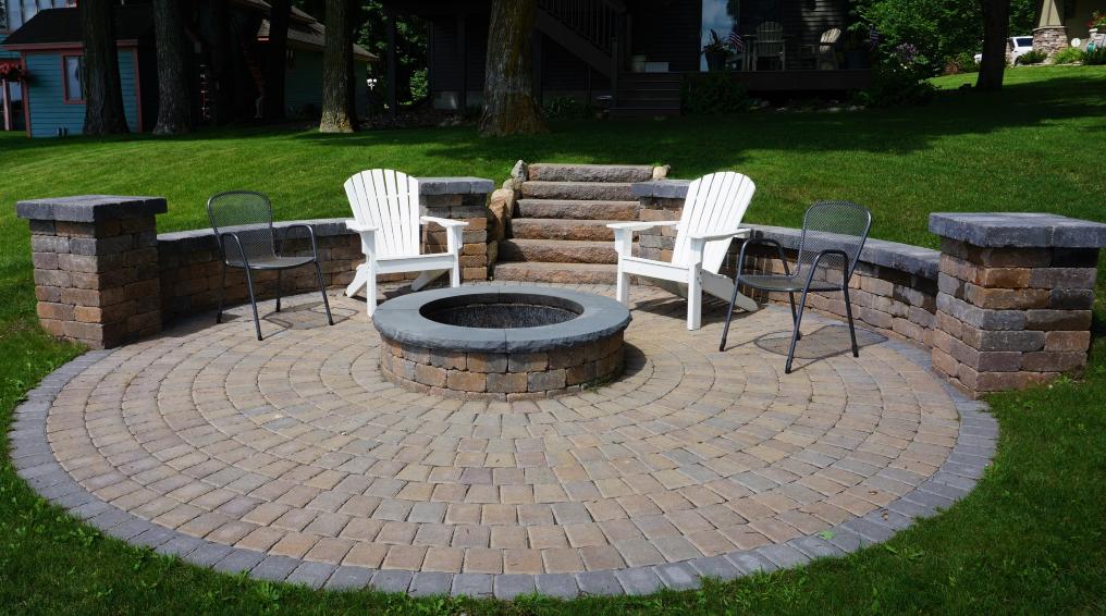 Create-Your-Backyard-Hot-Spot